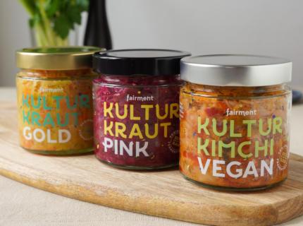 Krauts, Drei Sandwiches mit Kultur Kraut, Kimchi, Weißkohl, Rotkohl